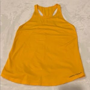 Women's under armour top size Small